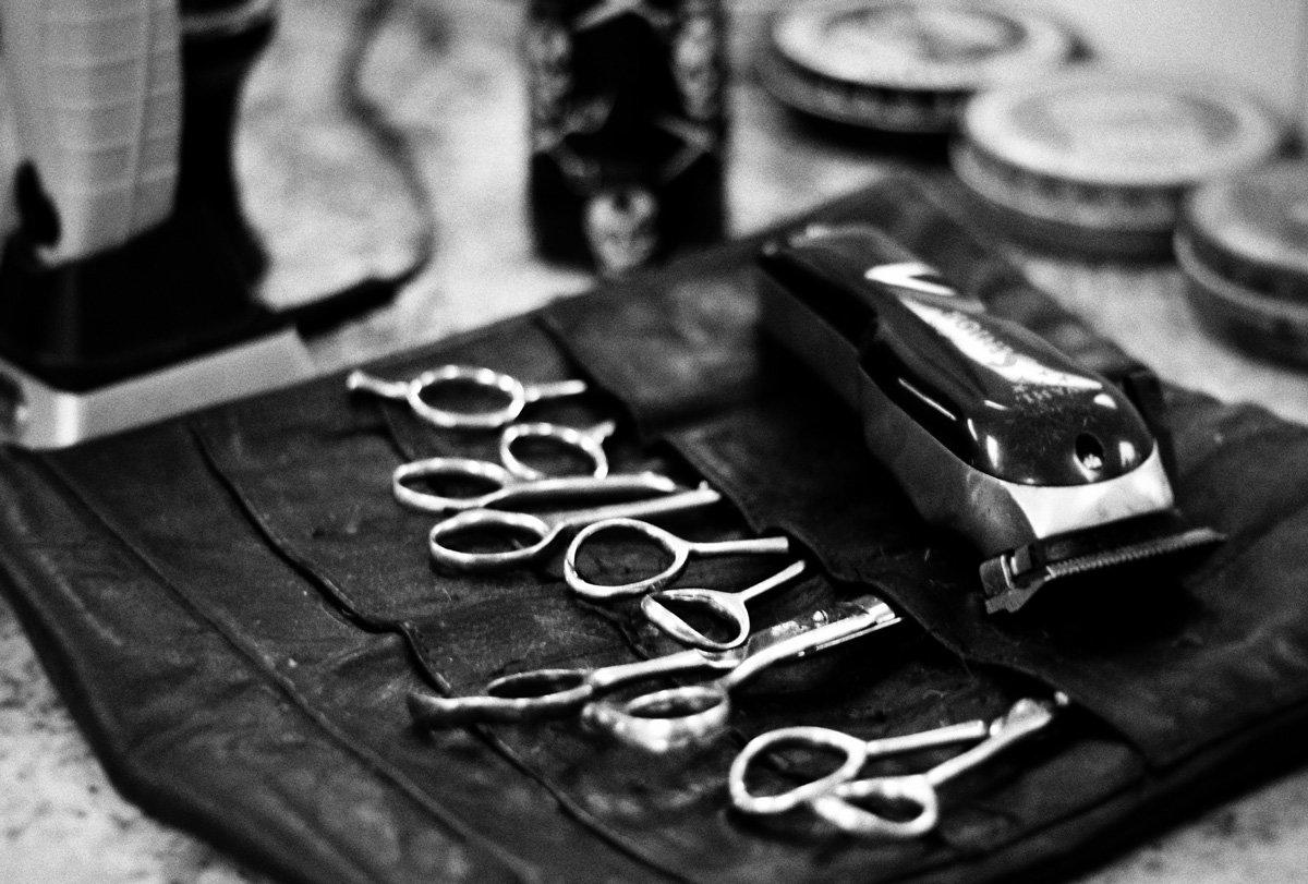 gent's classic barbershop menomonee falls wisconsin haircuts scissors tools