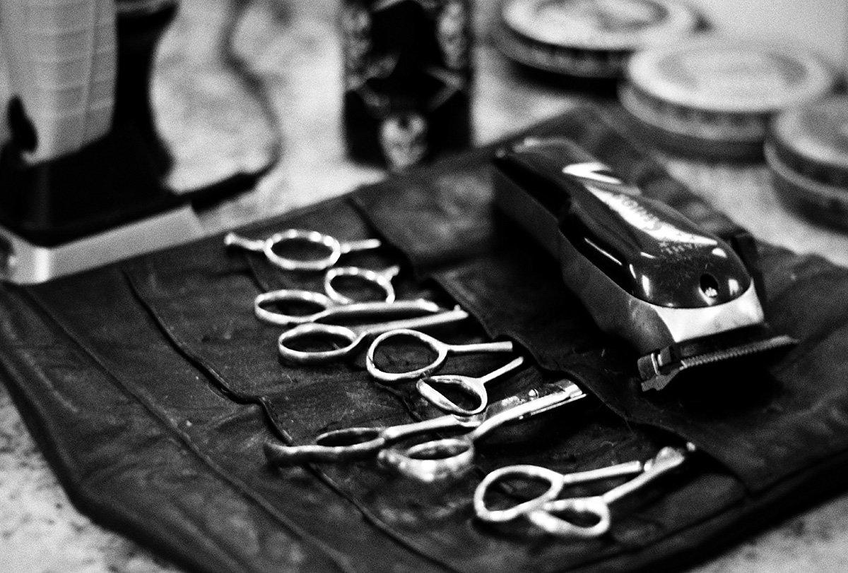 local barber shop gent's classic barbershop menomonee falls wisconsin haircuts scissors tools
