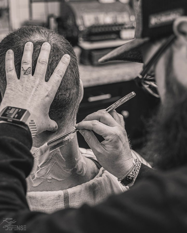 professional mens shave after haircut at gents barbershop